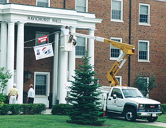 Putting up the welcome sign at 2003 championships
